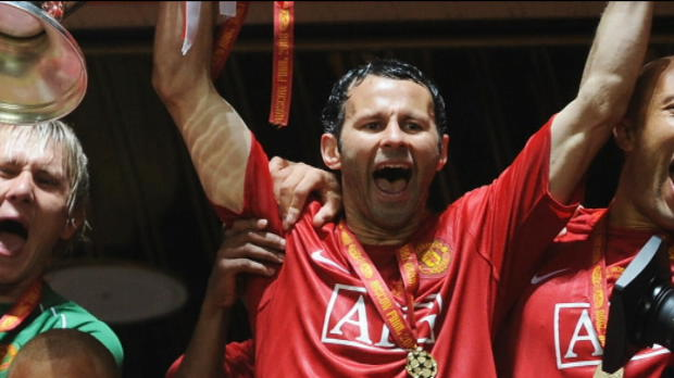 Foot Transfert, Mercato P.League - Man United, Giggs rempile