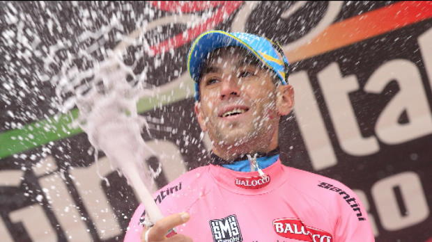 Giro de Italia - Nibali ataca y ampla su liderato