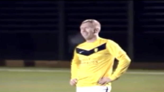 Video - Paul Scholes r�gale toujours