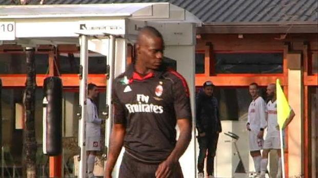 Foot Transfert, Mercato Transferts - Milan AC, Galliani : '150 millions pour Balotelli ? C'est non'